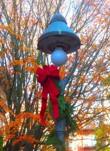 Christmassy street lamp