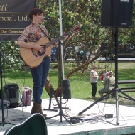 Singer at Anacortes farmers market