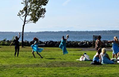 Bridesmaids in Boulevard Park